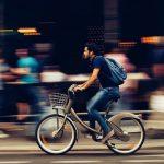 Pedalear seguro: las tendencias de iluminación en ciclovías